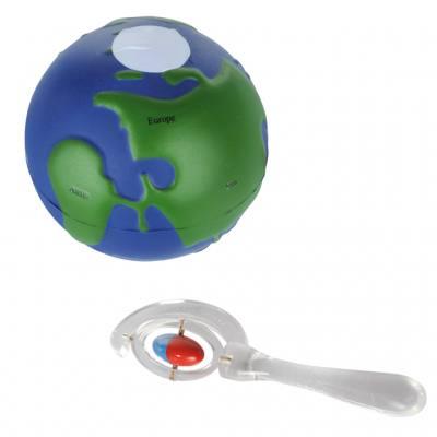 Globus mit magnetischen Polen